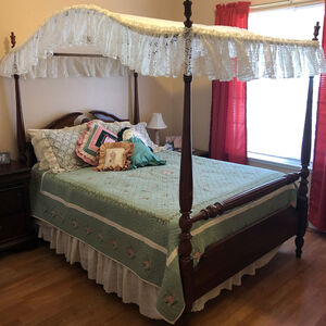 Lace & Eyelet Canopies and Bedding